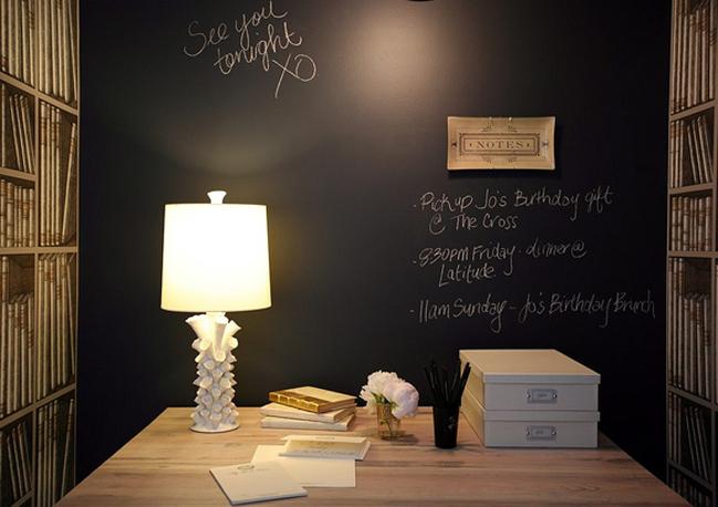 Decorare la parete della testata del letto for Pittura lavagna prezzo