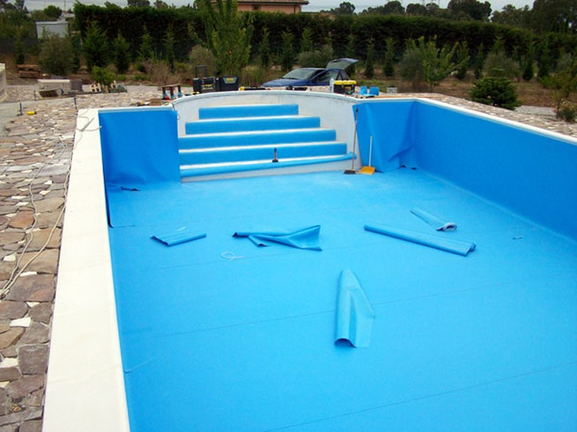 Vernici per piscine con telo in pvc jumbo paint for Piastrelle per interno piscina