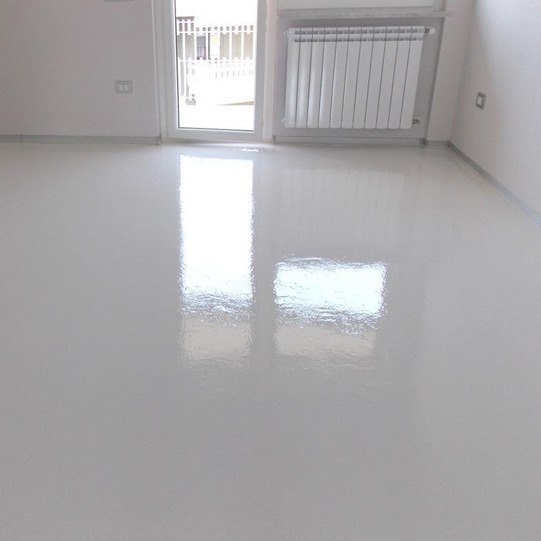 6 pavimenti in resina vernici a solvente per pavimenti - Vernice per piastrelle pavimento ...